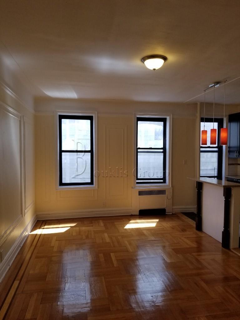 27-09 Newtown Avenue Astoria Queens NY 11102