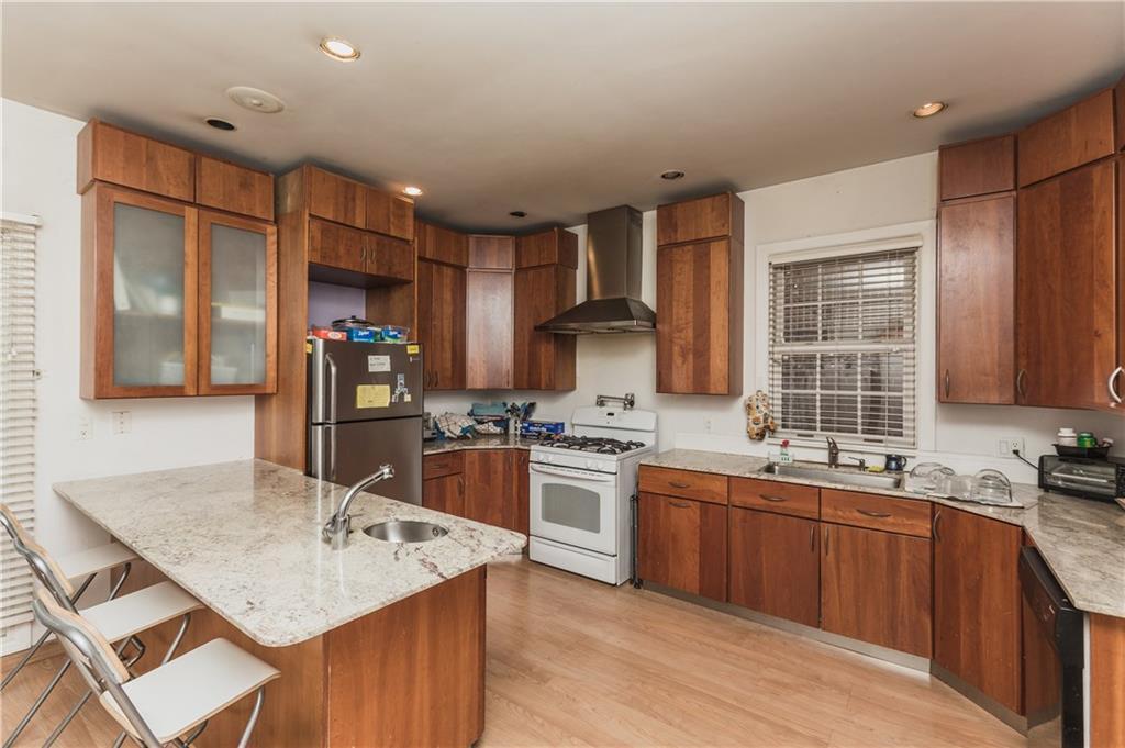 917 Avenue I Midwood Brooklyn NY 11230