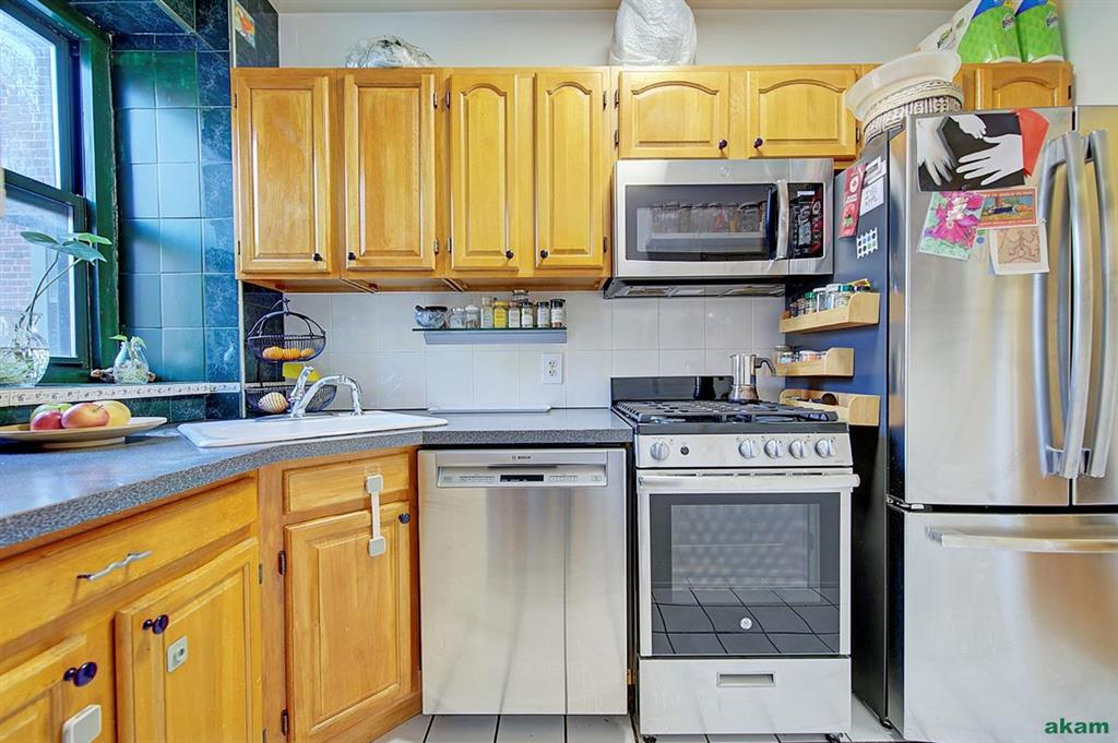 34-20 79th Street 3-H Jackson Heights Queens NY 11372