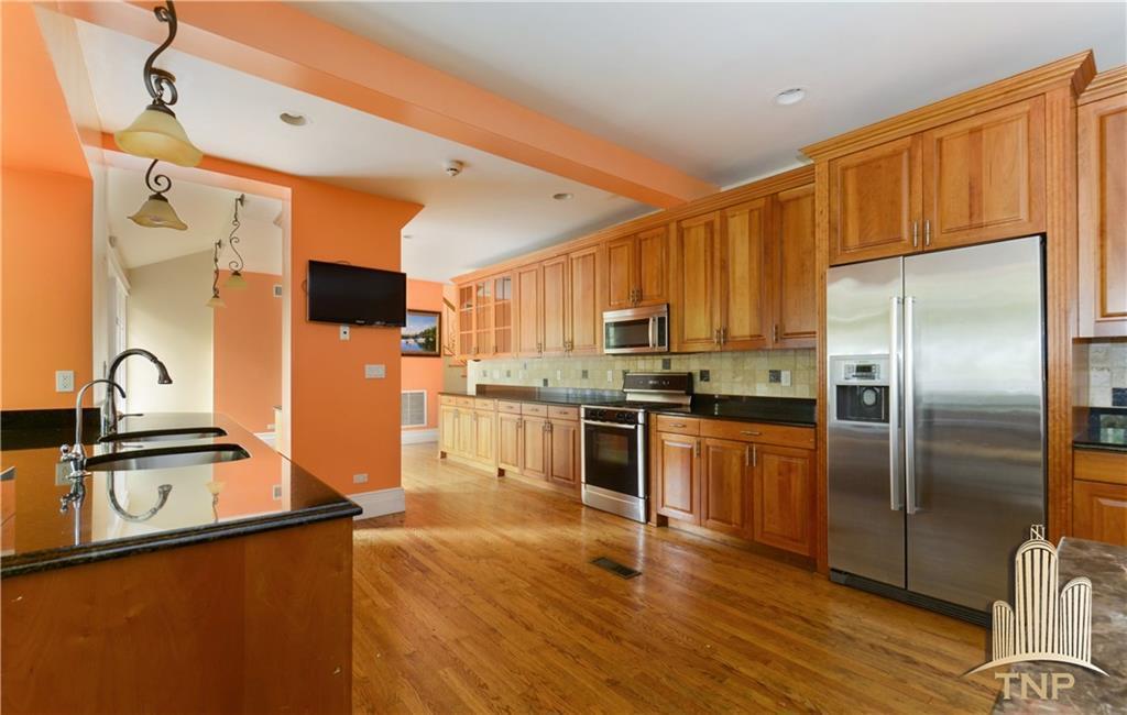 4570 Henry Hudson Parkway  Bronx NY 10471