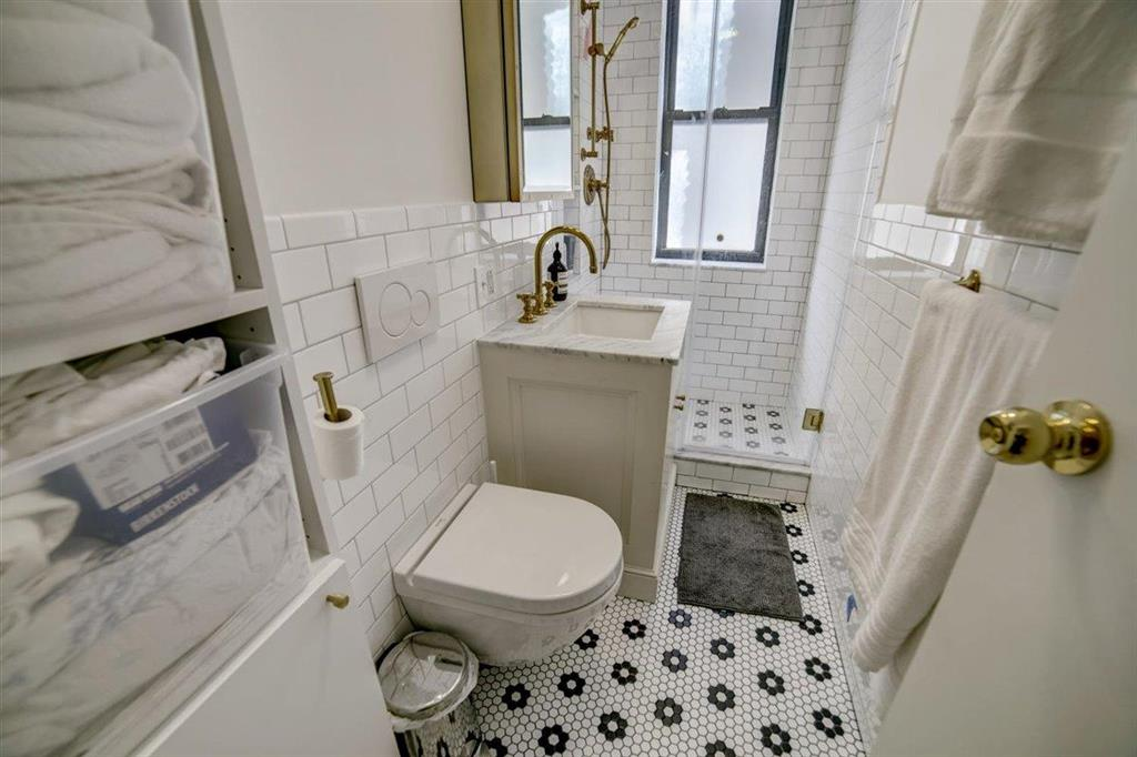 224 East 11th Street E. Greenwich Village New York NY 10003