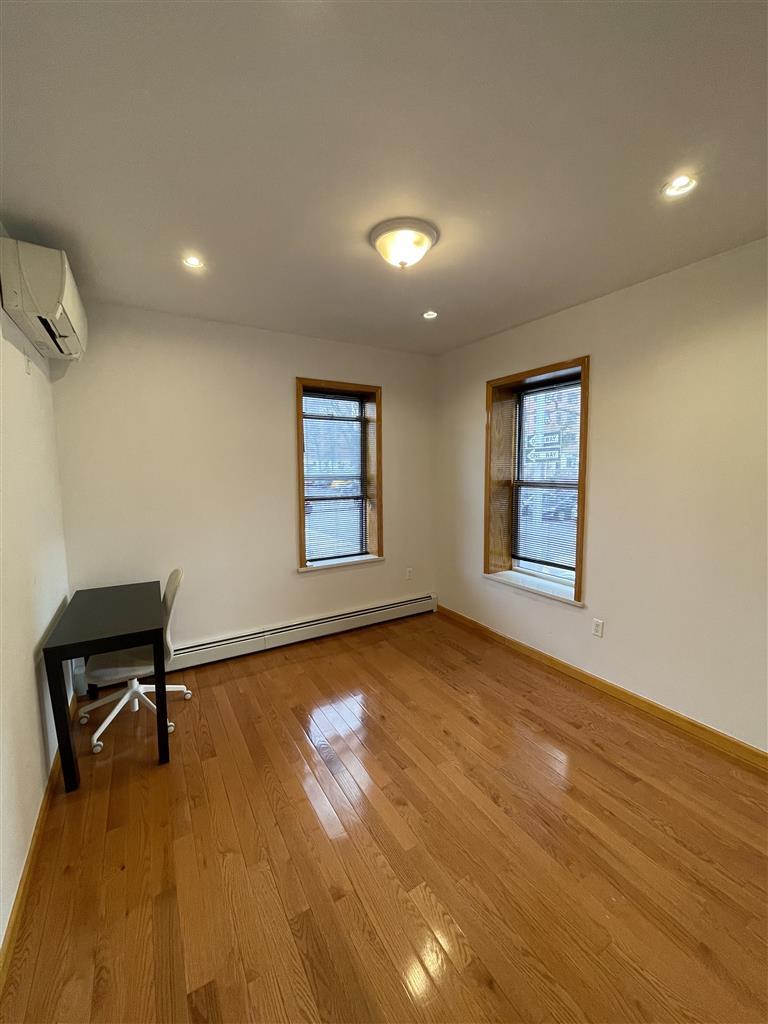 33-20 23rd Street Astoria Queens NY 11106