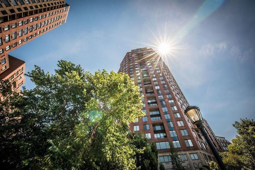 380 Rector Place Battery Park City New York NY 10280