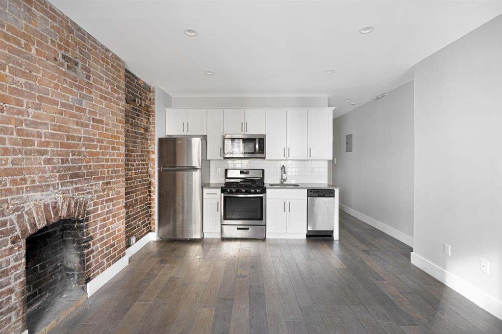 346 West 52nd Street 5-D Clinton New York NY 10019