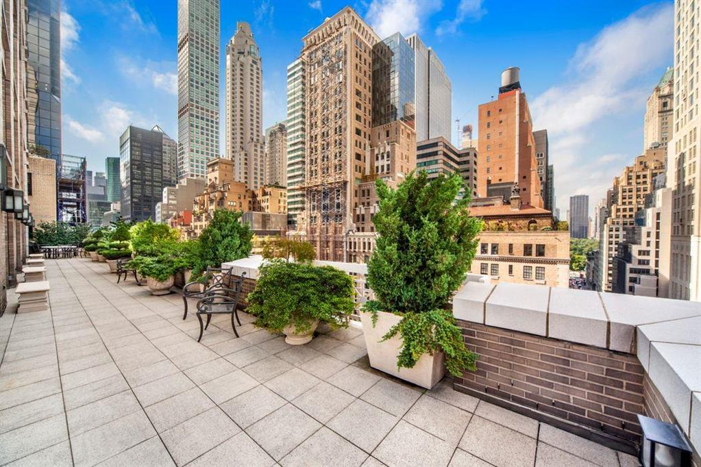 515 Park Avenue 15/16/3H Upper East Side New York NY 10022