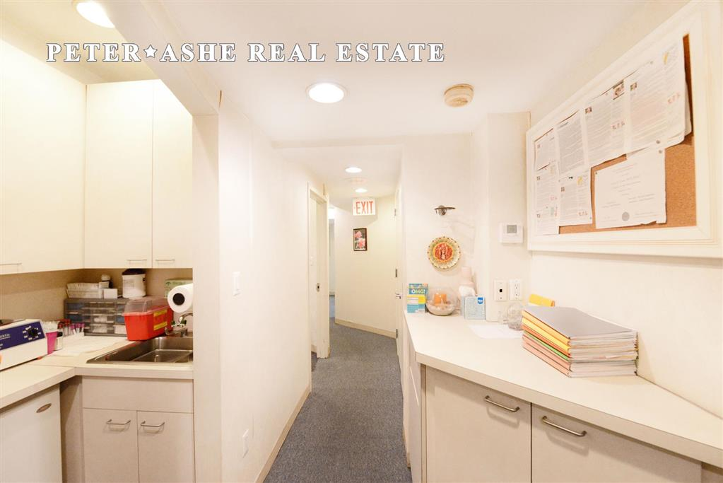 113 East 64th Street Med Upper East Side New York NY 10065