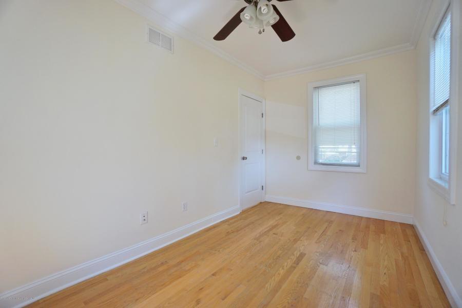 10 Shaughnessy Lane Rosebank Staten Island NY 10305