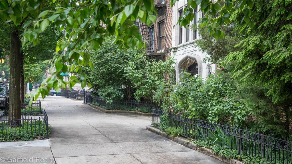 300 8th Avenue Park Slope Brooklyn NY 11215