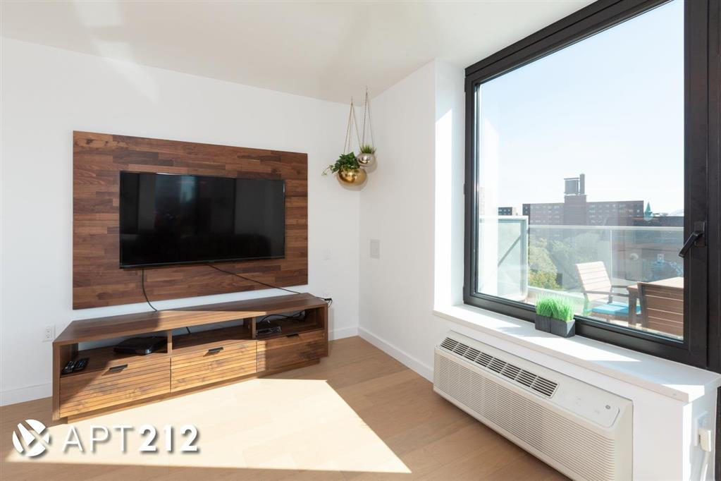 1790 Third Avenue East Harlem New York NY 10029