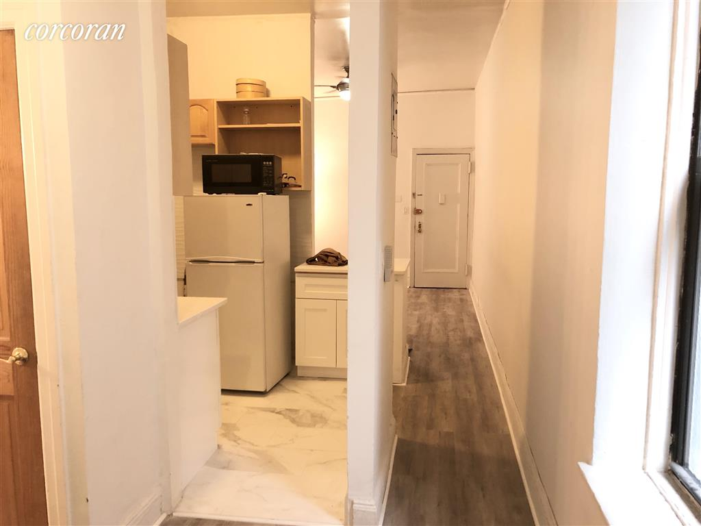 855 Ninth Avenue 2B Clinton New York NY 10019