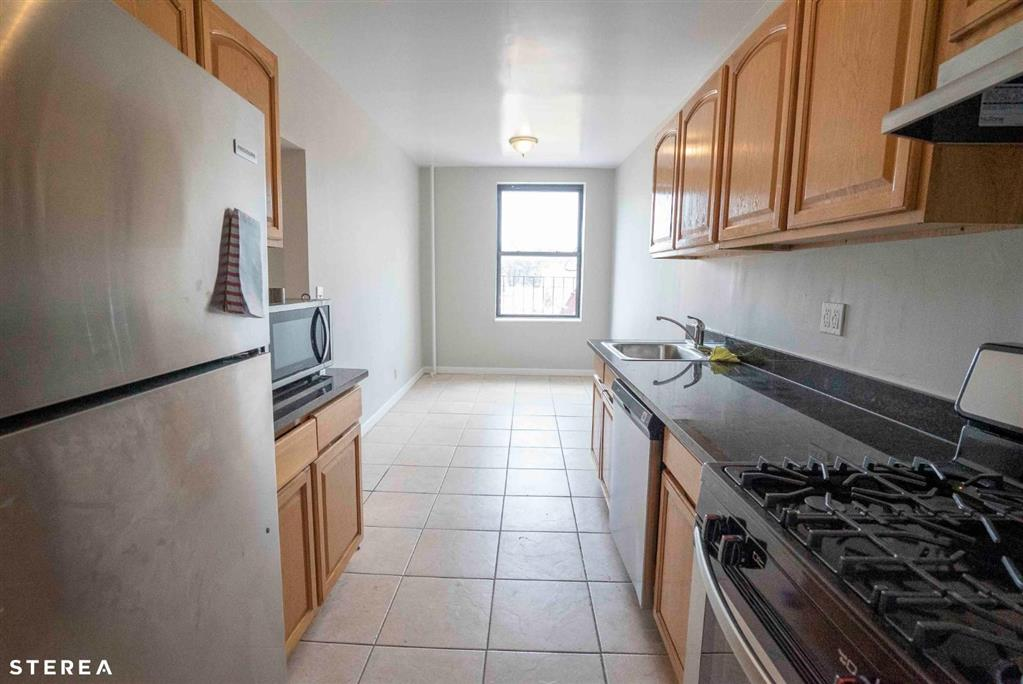 29-06 21st Avenue Steinway-Ditmars Queens NY 11105