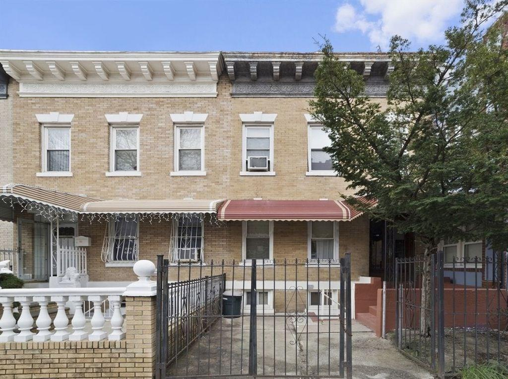 107 Kenilworth Place Midwood Brooklyn NY 11210