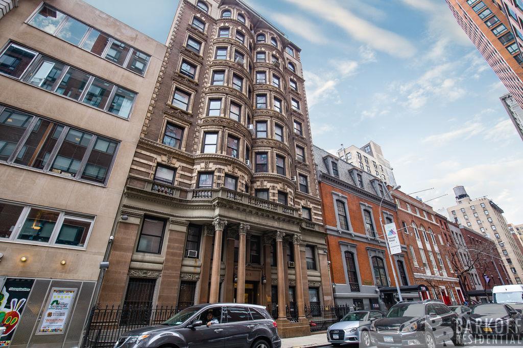 105 East 15th Street Gramercy Park New York NY 10003