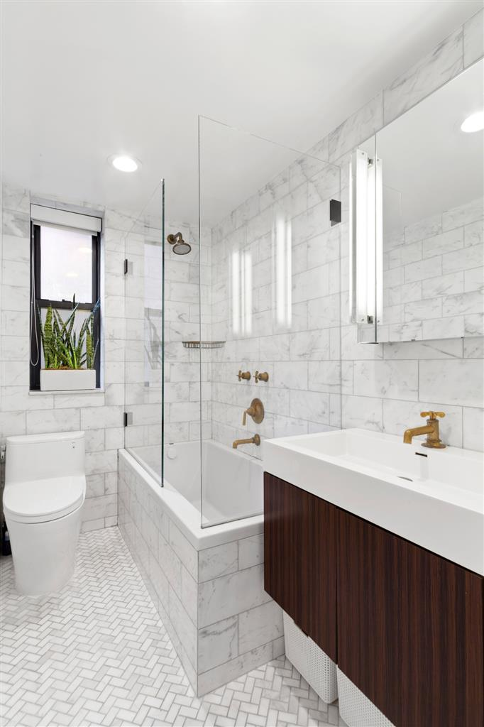 17 West 67th Street Lincoln Square New York NY 10023