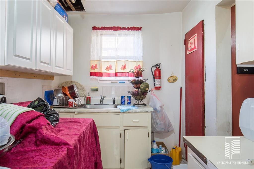6 Highland Court Far Rockaway Far Rockaway NY 11691