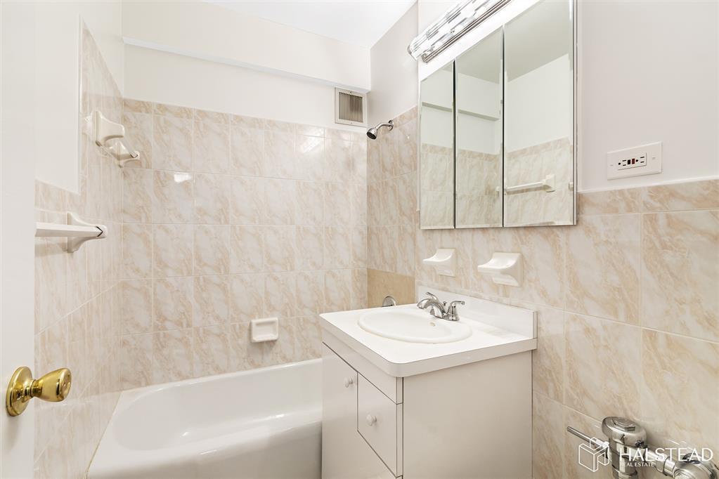 3901 Independence Avenue Riverdale Bronx NY 10463