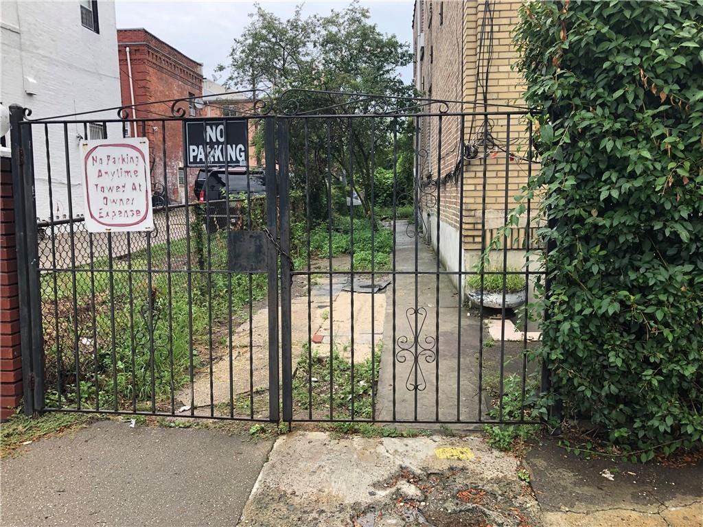 117 Bradford Street East New York Brooklyn NY 11207
