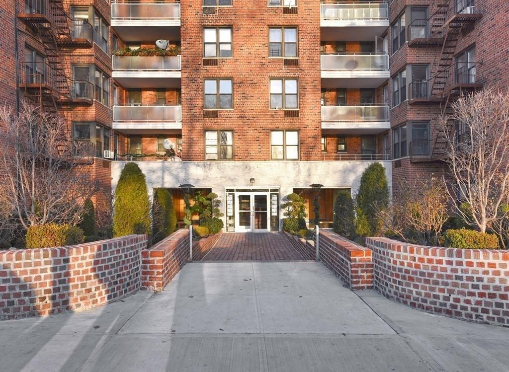 9511 Shore Road 209 Bay Ridge Brooklyn NY 11209