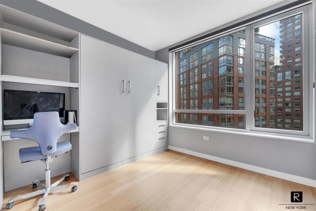 2 River Terrace 7-R Battery Park City New York NY 10282