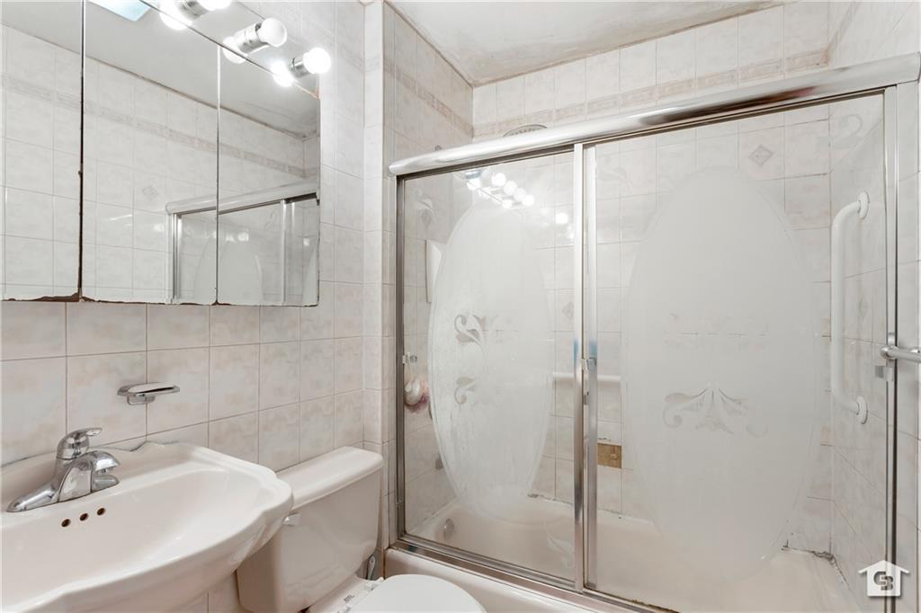 155 West End Avenue Manhattan Beach Brooklyn NY 11235