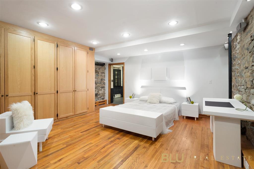 69 West 106th Street Manhattan Valley New York NY 10025