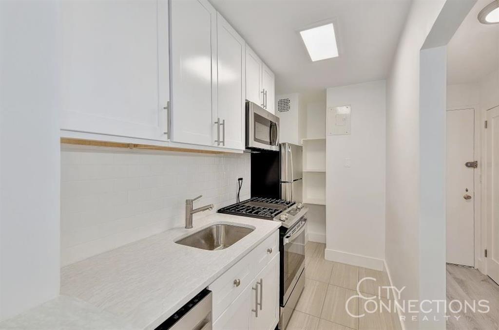 245 East 35th Street Murray Hill New York NY 10016