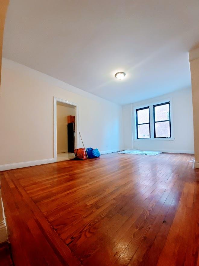 21-06 33rd Street Steinway-Ditmars Queens NY 11105