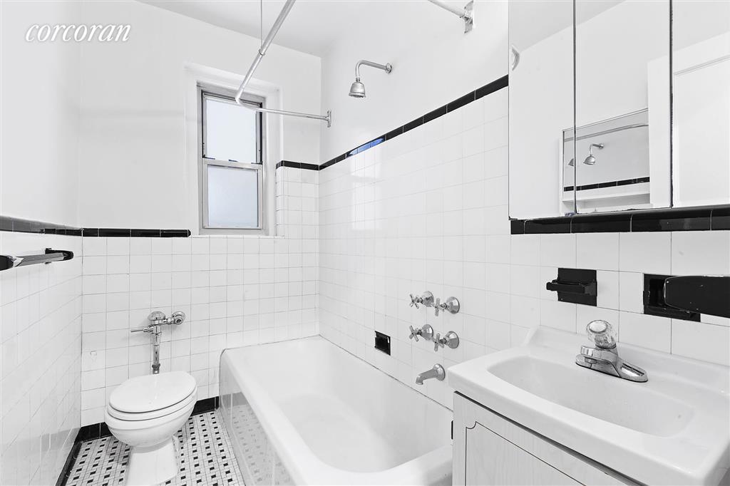 75 Bank Street W. Greenwich Village New York NY 10014