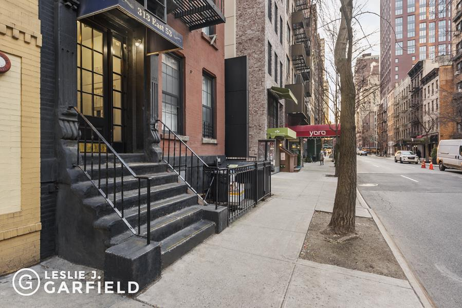 313 East 53rd Street Midtown East New York NY 10022