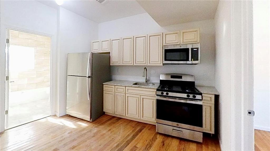 210 Corson Ave Tompkinsville Staten Island NY 10301
