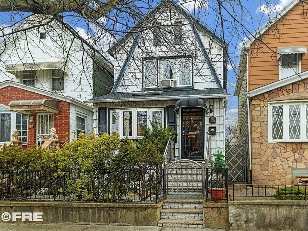 1139 East 98 Street Canarsie Brooklyn NY 11236