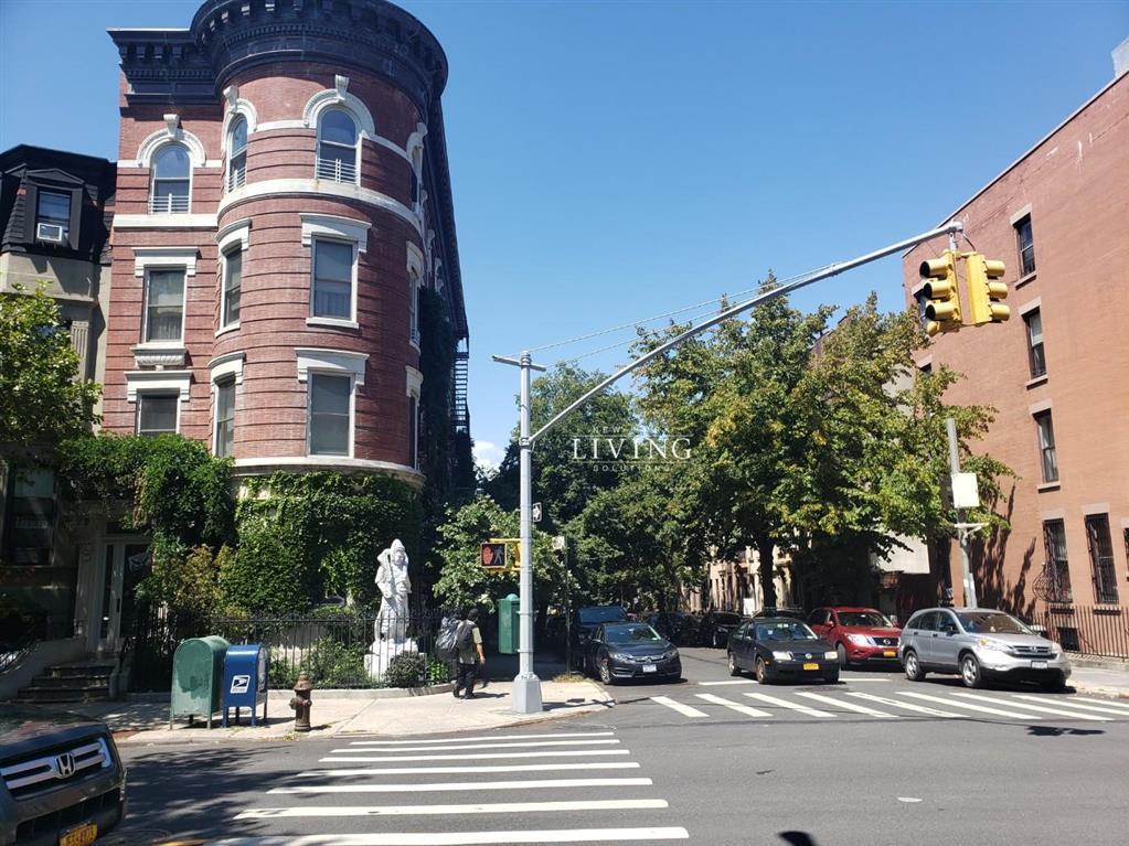 660 Carroll Street Park Slope Brooklyn NY 11215