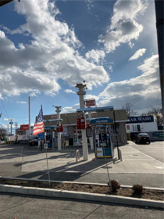 940 Nassau Road Out of NYC Uniondale NY 11553