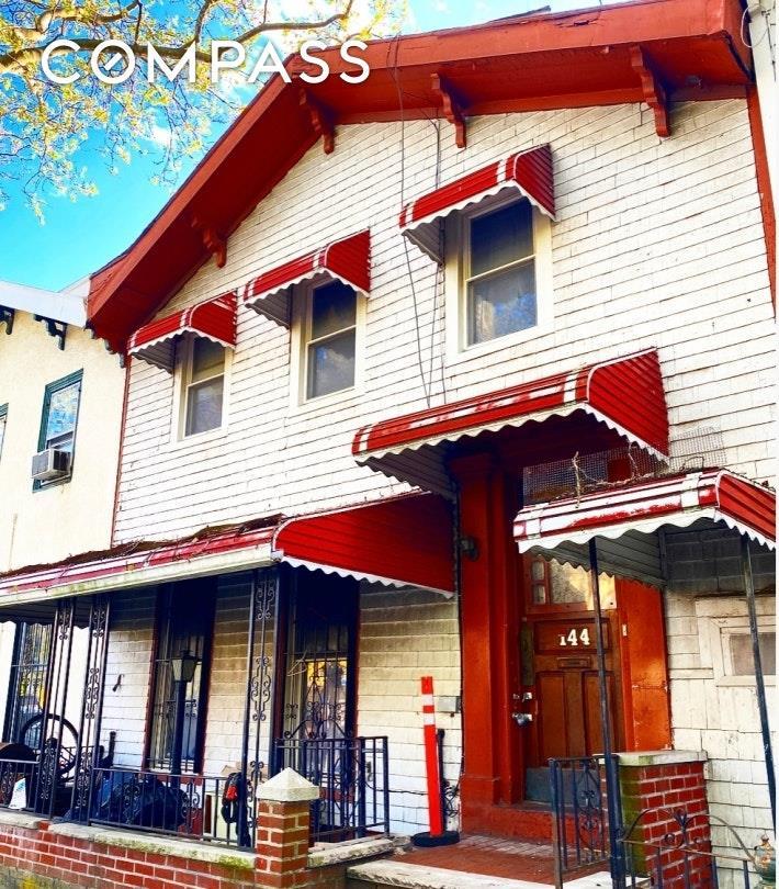 144 Cambridge Place Clinton Hill Brooklyn NY 11238