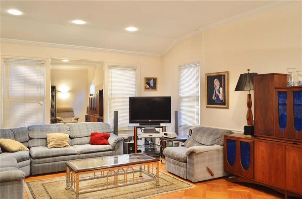 2246 82 Street Bensonhurst Brooklyn NY 11214