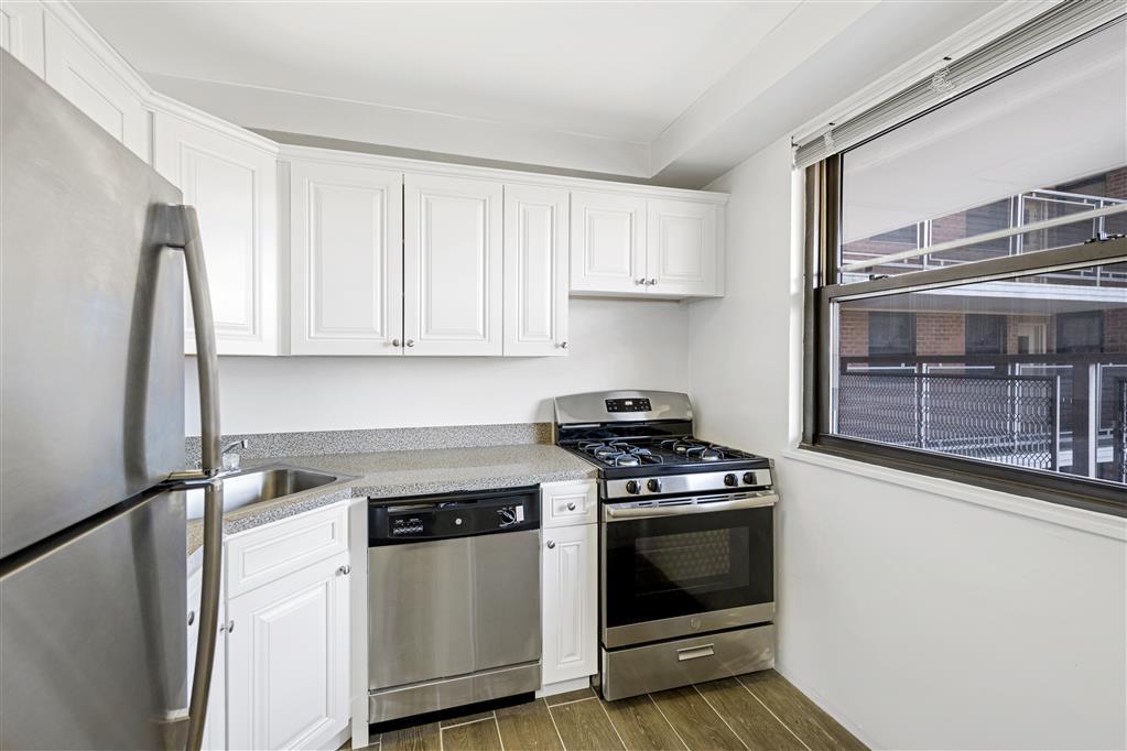 4705 Henry Hudson Parkway West Riverdale Bronx NY 10471