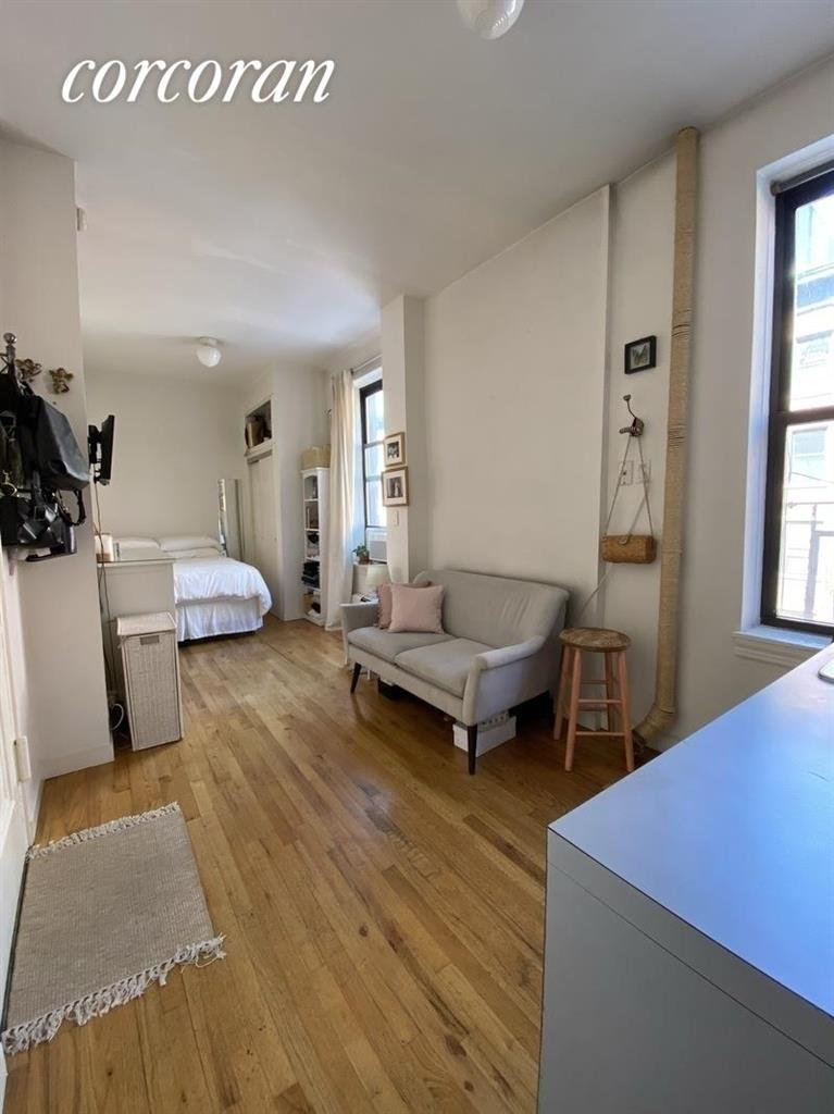 214 Mulberry Street 4CC Soho New York NY 10012