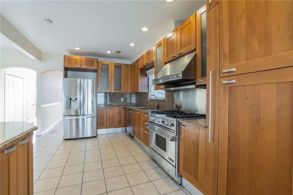 5775 Hylan Boulevard Brooklyn NY 10309