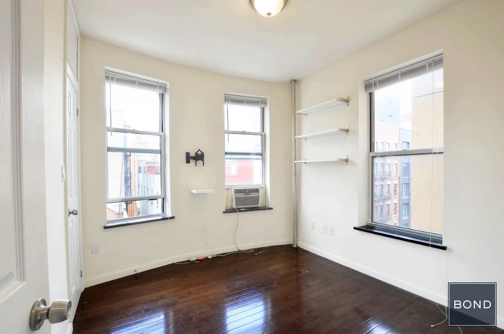 132 Ludlow Street Lower East Side New York NY 10002