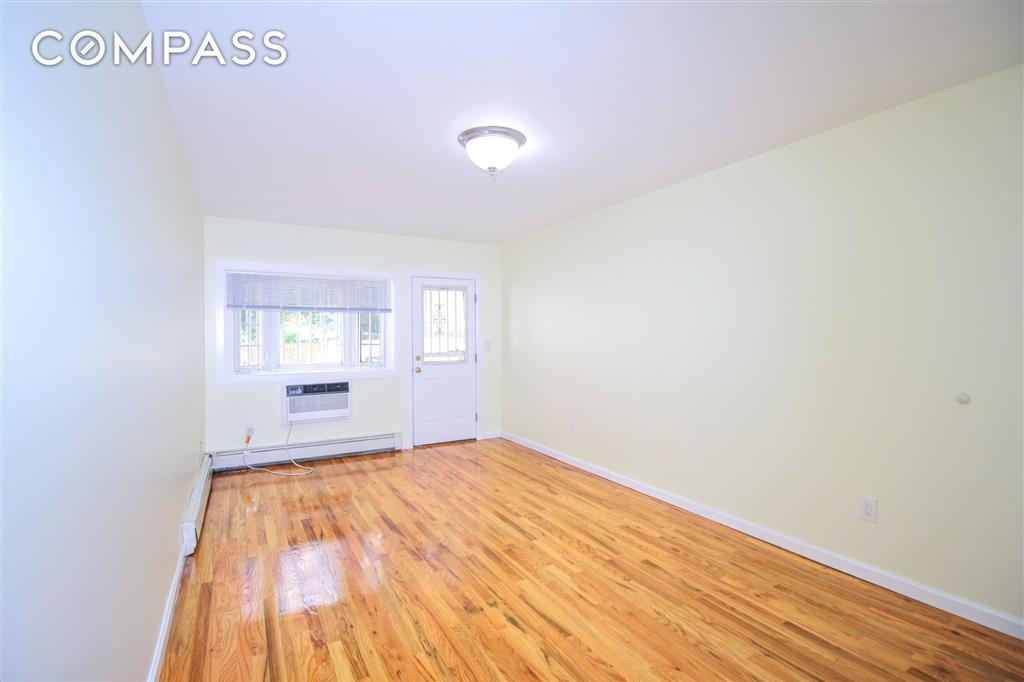 81-09 135th Street Briarwood Queens NY 11435