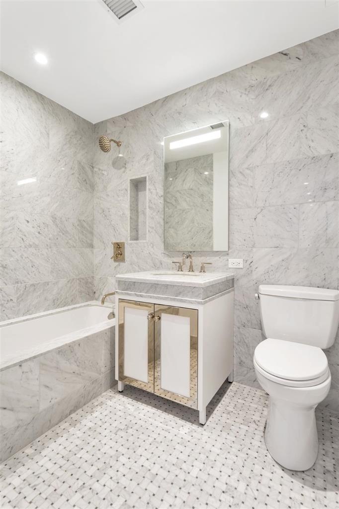 225 East 19th Street Gramercy Park New York NY 10003