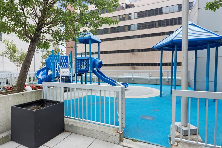 635 West 42nd Street 23K Clinton New York NY 10036