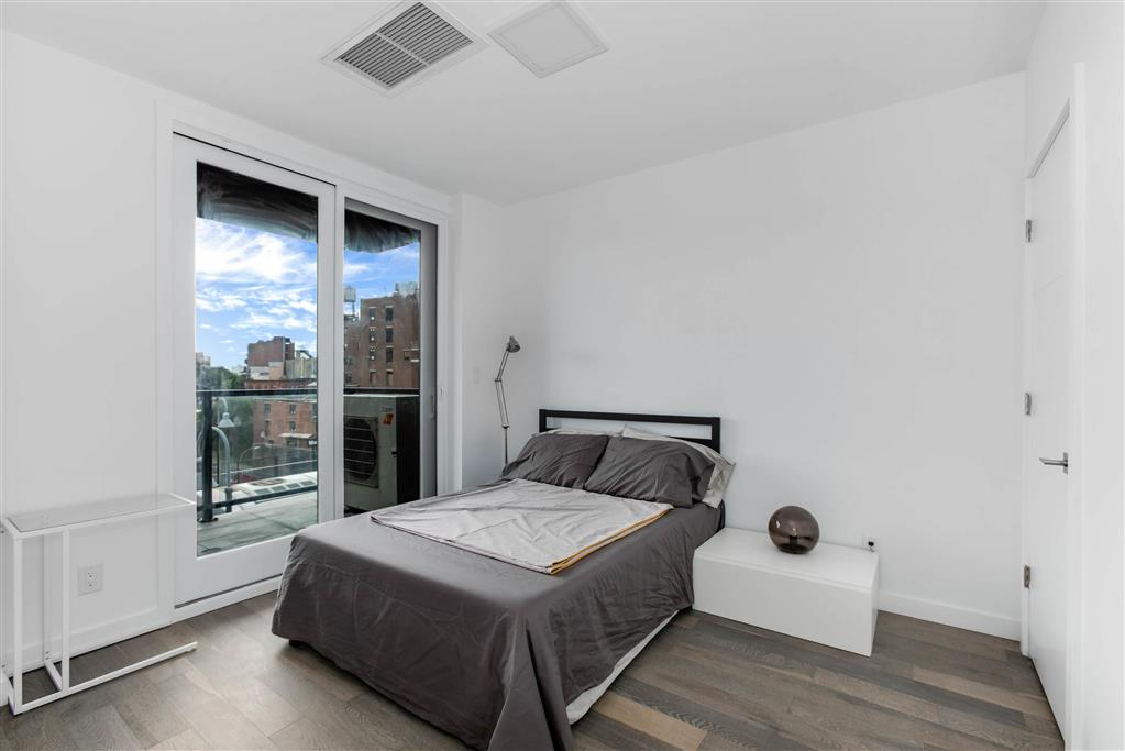 319 Broadway Williamsburg Brooklyn NY 11211