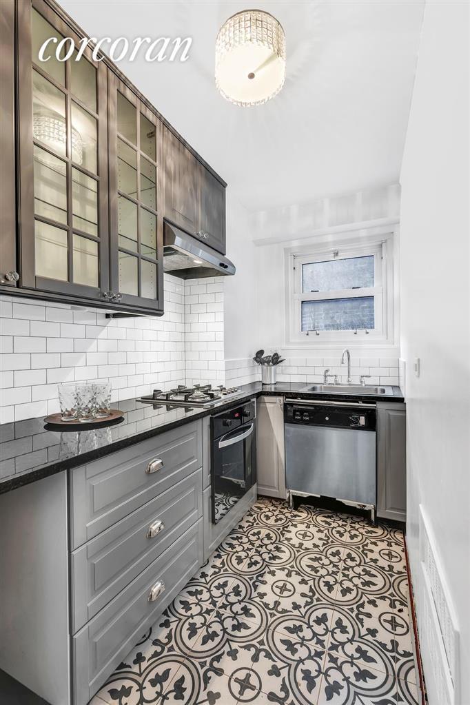 15 Charles Street Greenwich Village New York NY 10014