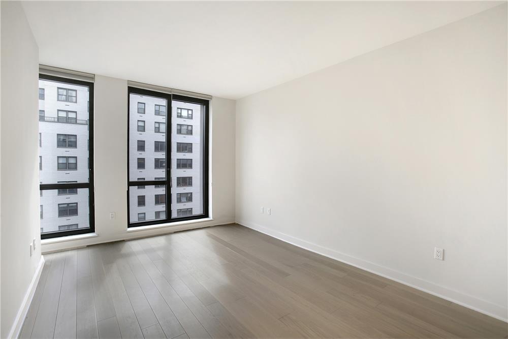 160 East 22nd Street 12-D Gramercy Park New York NY 10010
