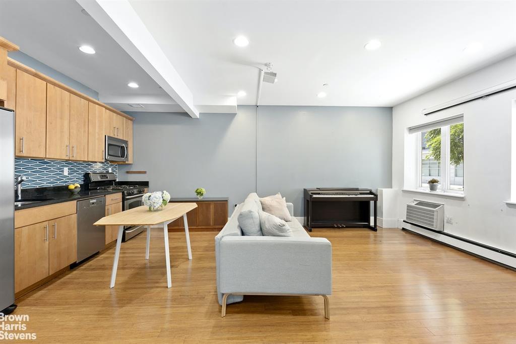 527 Vanderbilt Avenue Clinton Hill Brooklyn NY 11238