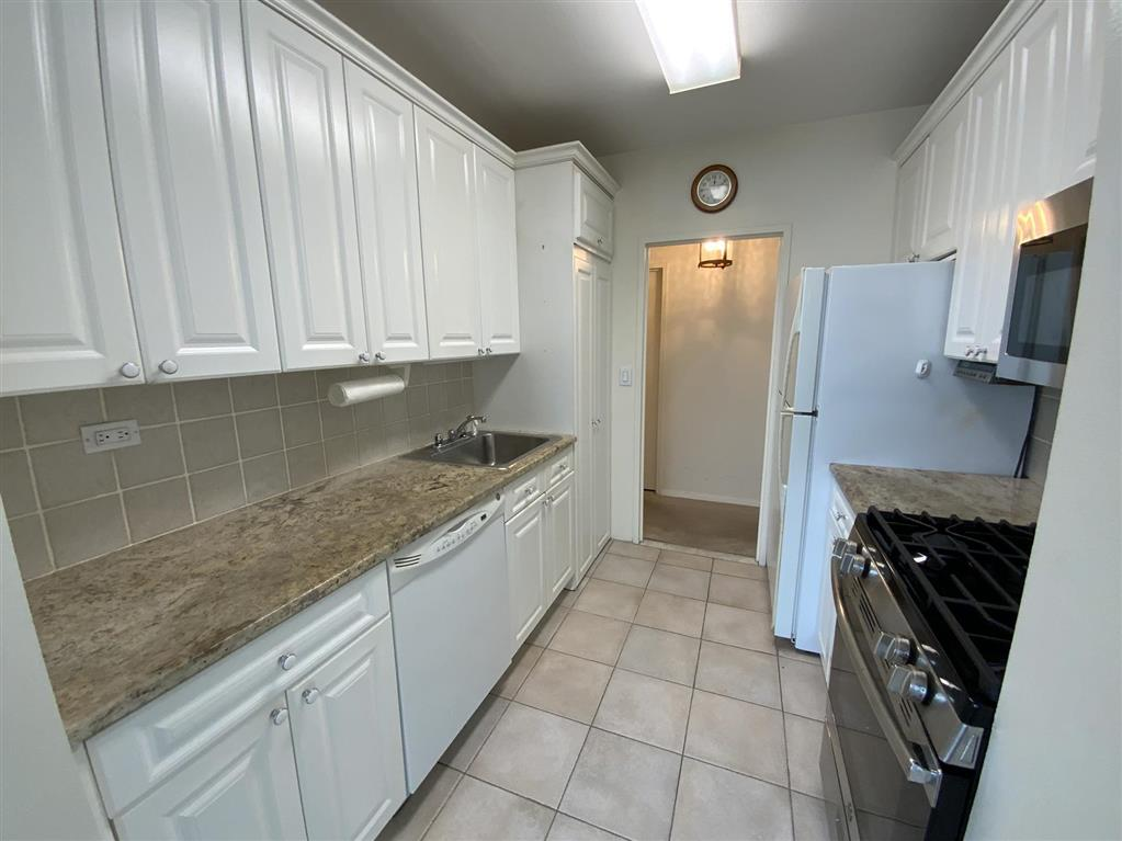 271-10 Grand Central Parkway Floral Park Queens NY 11005