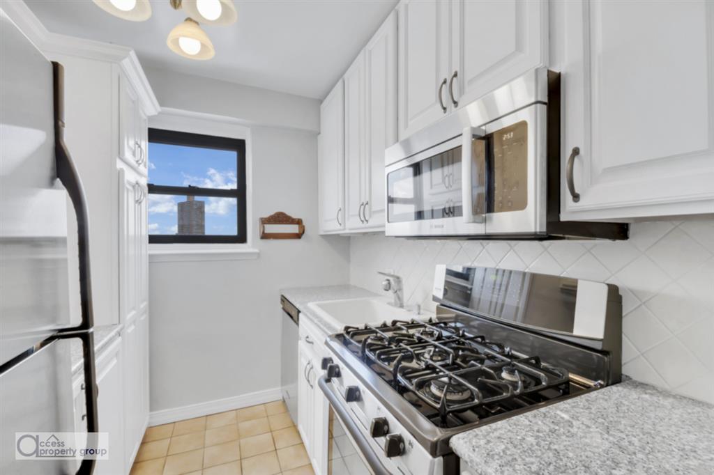 579 West 215th Street Inwood New York NY 10034